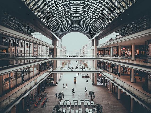 Einkaufshalle